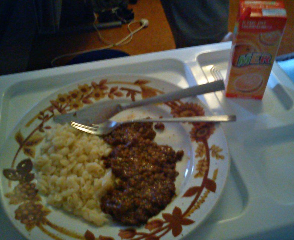Mammas köttfärsås och makaroner till middag