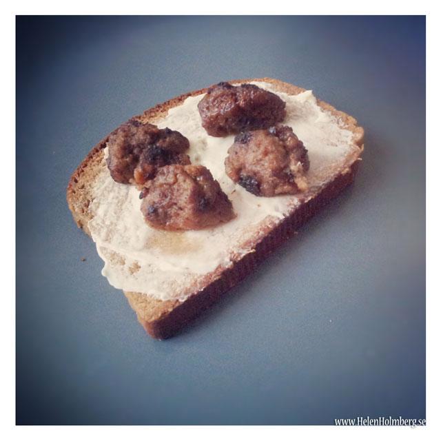 Lunch macka kulla kavring bröd med köttbullar