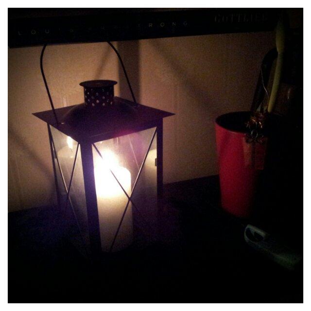 Decembermys med tända ljus