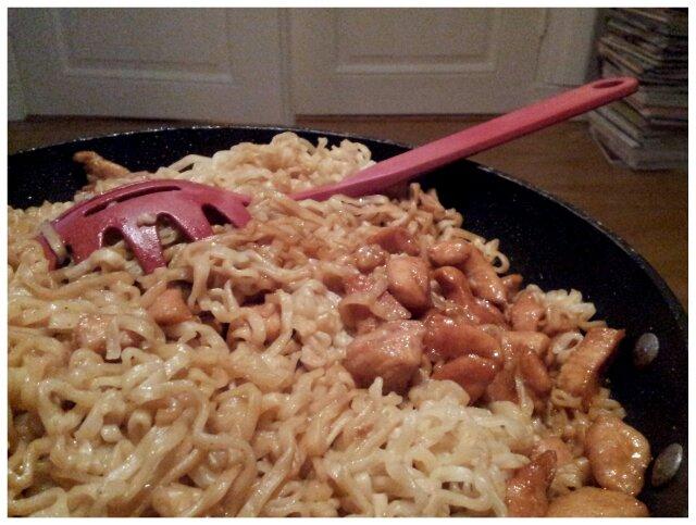 Kyckling wok med nudlar