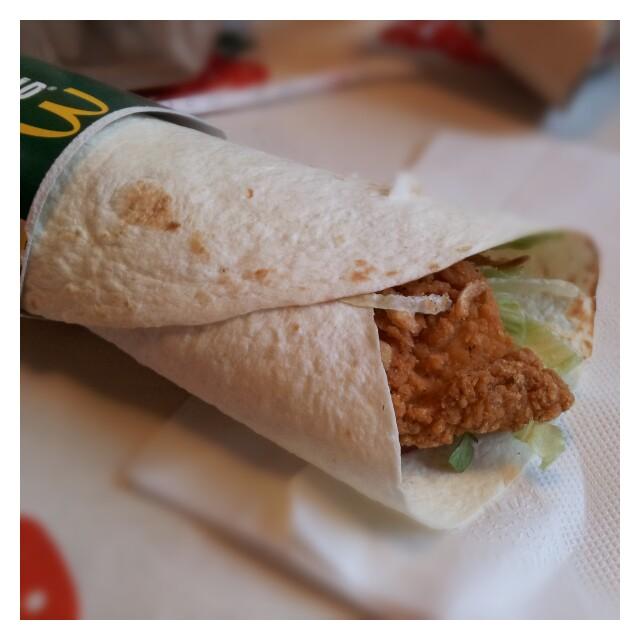 Kyckling & bacon wrap från McDonalds utan tomat och sås