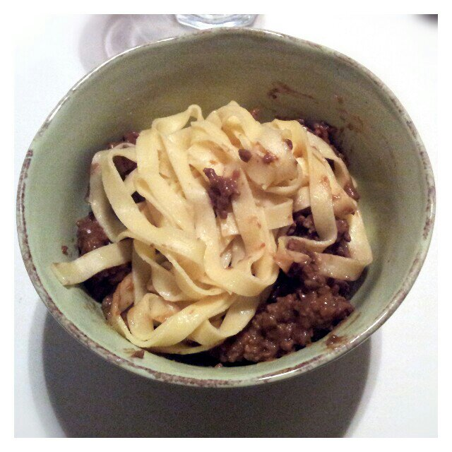 färsk pasta och köttfärssås