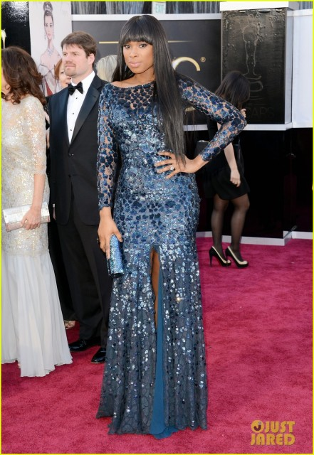jennifer-hudson-oscars-2013-red-carpet-05