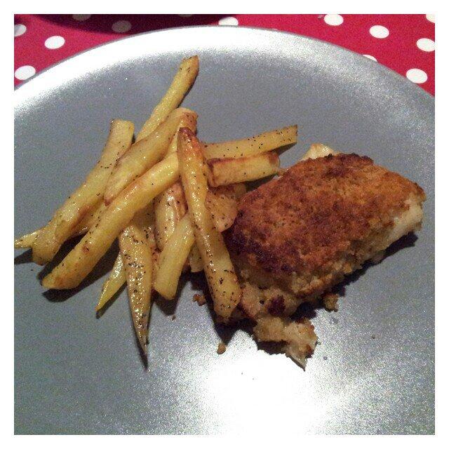 Rostad potatis och fransk fiskgratäng mix på ryggfilé av torsk