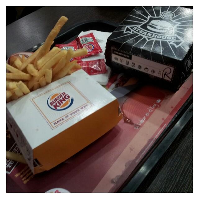 Lunch på Burger King före vi lämnade Gran Canarias flygplats