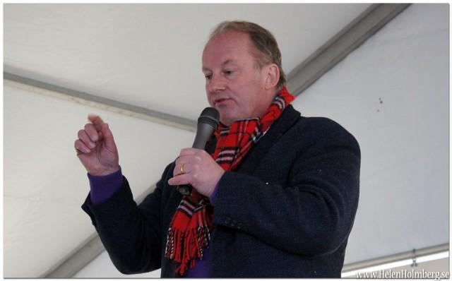 """Janne Boris Möller, kock, TV-personlighet och författare till klassikern """"Koka soppa på fysik"""""""