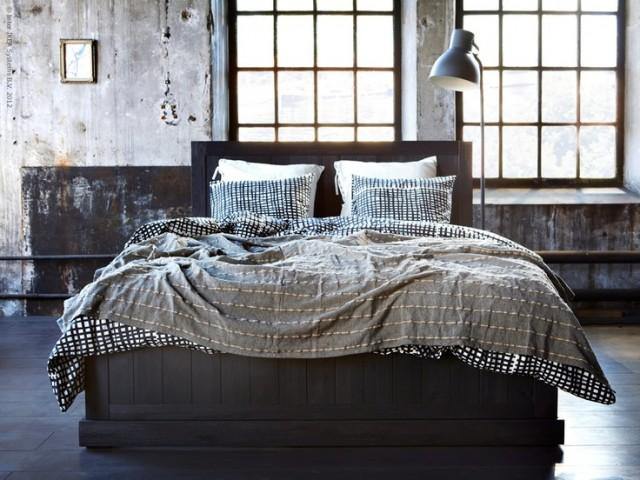 Rustikt sovrum stylat av ikea