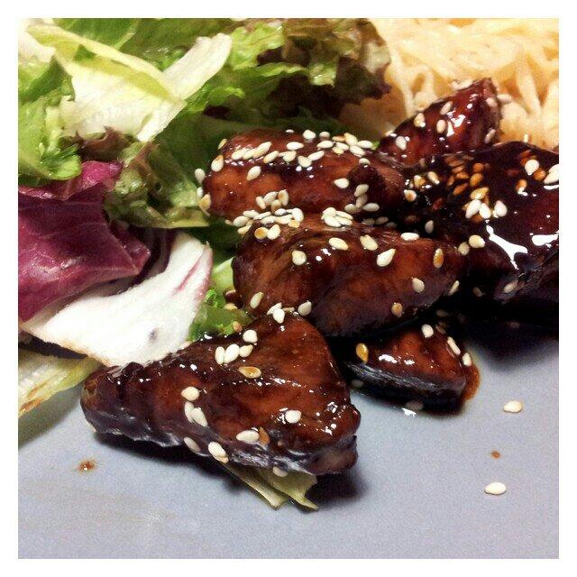 Sesam kyckling med sallad