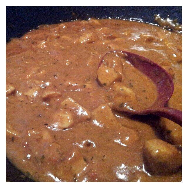 Provlagat Felix grytbas Thai Röd Curry och brynt kyckling