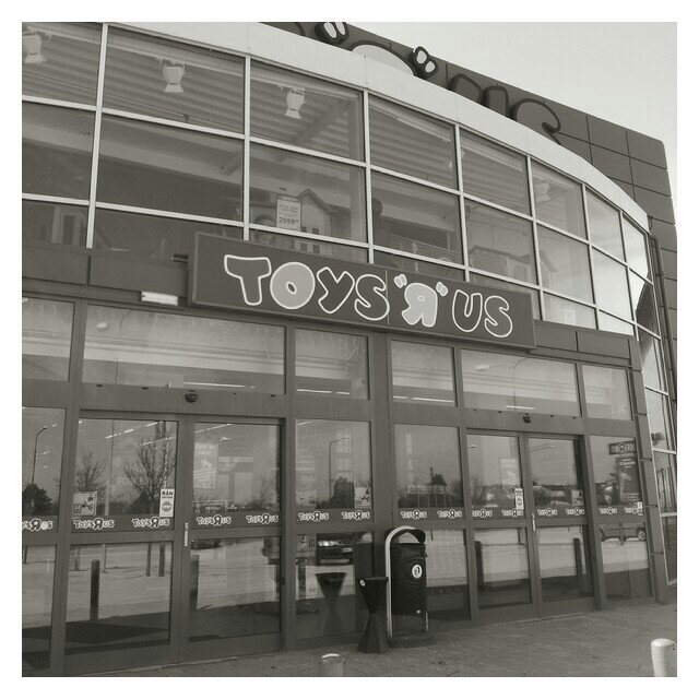 Födelsedagspresent shopping på Toys'r'us