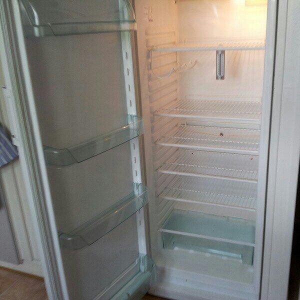 Förbannade skit kylskåpet som är sönder