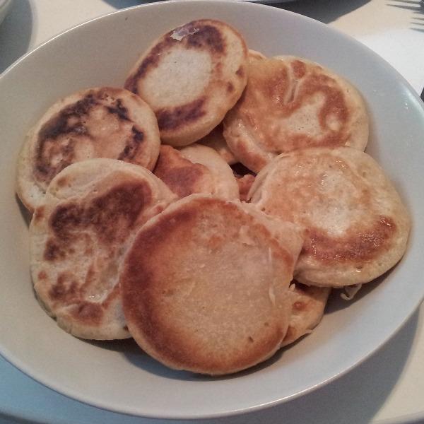 Laktosfria Traditionella brittiska crumpets, recept på svenska
