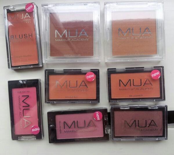 Olika blushes från Makeup Academy