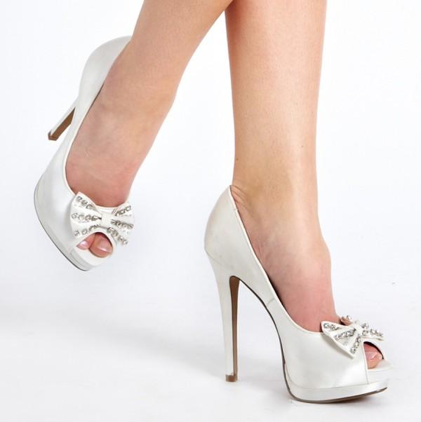 Söta skor till blivande bruden i sommar från New Look