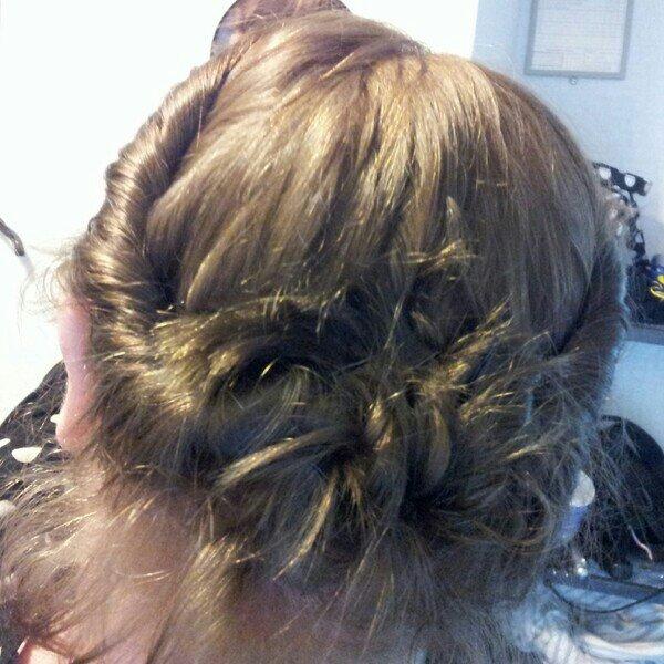 Försök till håruppsättning med mitt korta hår