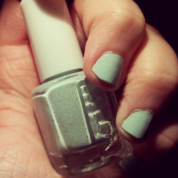 Nya mintgröna nagellacket från Makeup Academy, mumsigt namn också Pistachio Ice Cream