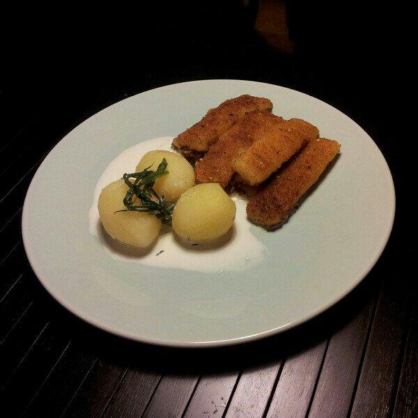 Findus fiskpinnar med dill kokt färskpotatis och laktosfri grädde
