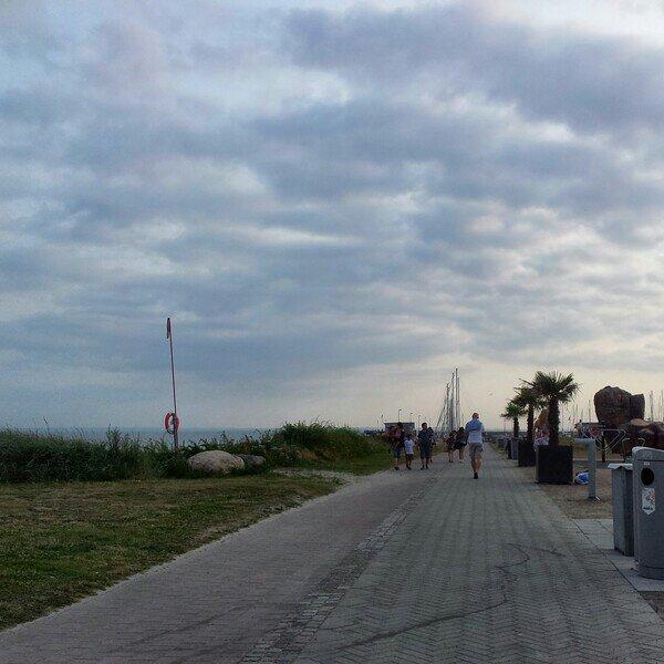 Promenad i Höganäs hamn
