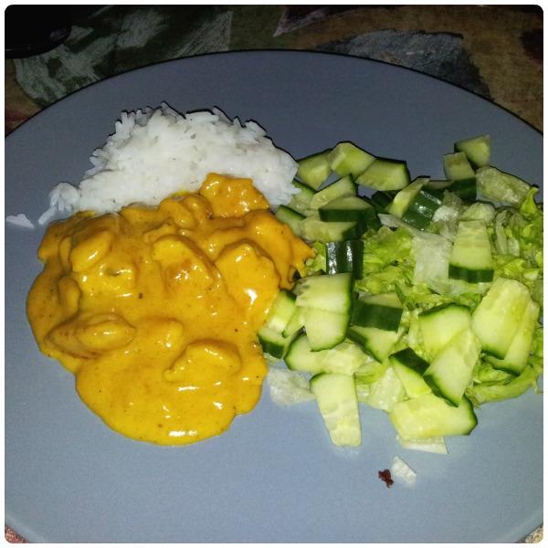Kyckling curry med jasminris och grönsallad till middag