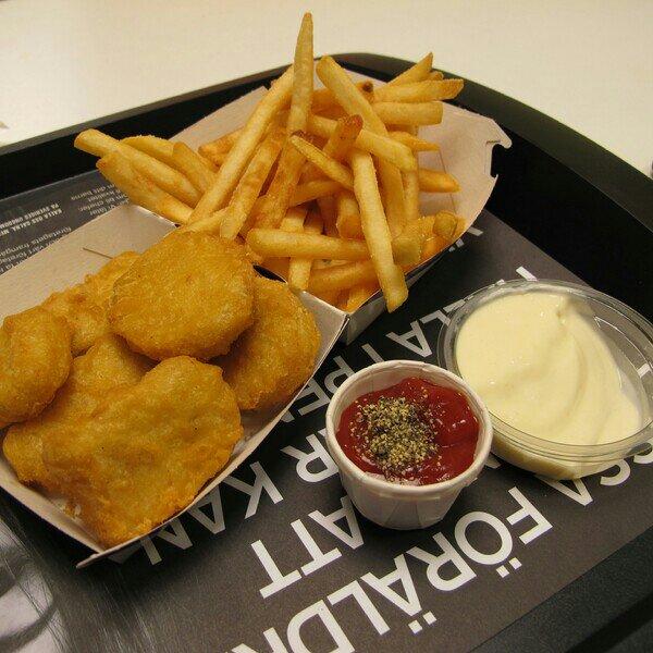 kycklingbitar till middag på McDonalds