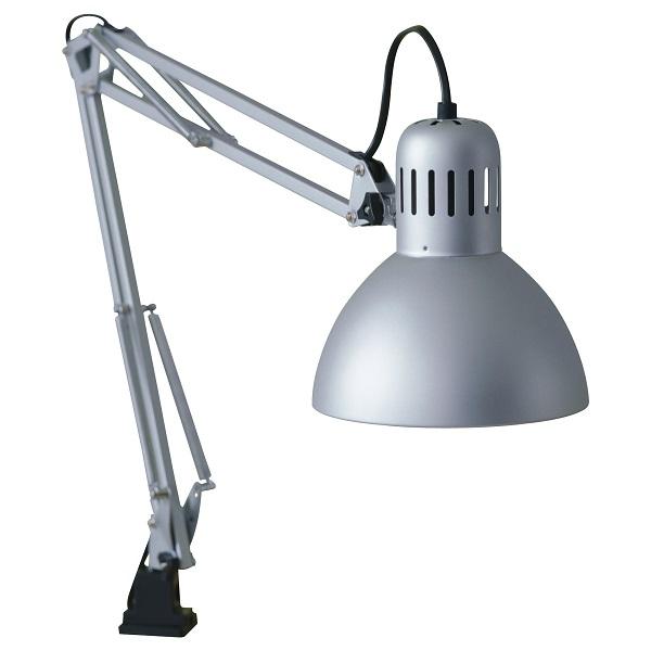 skrivbordslampa från ikea