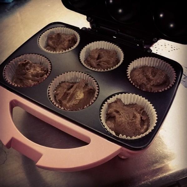 Inviger c3 cupcake maker vi fick i bröllopspresent från Maria & Liam
