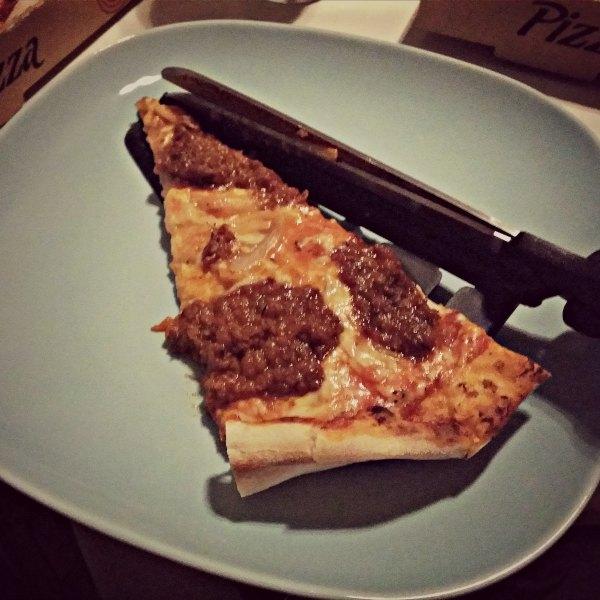 Köttfärs pizza (Bolognese) från Mörarps pizzeria (brevid Ica)