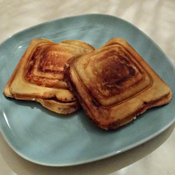 Laktosfria varma mackor med ost och skinka