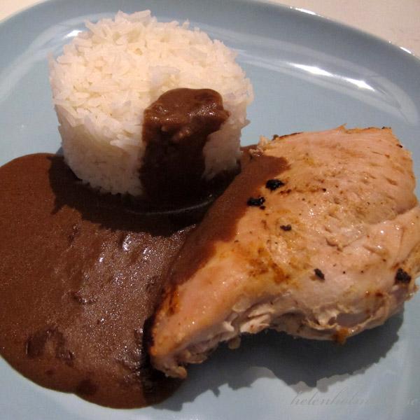 Grillad hel svensk kyckling med laktosfri brun sås och kokt uncle bens jasmin ris