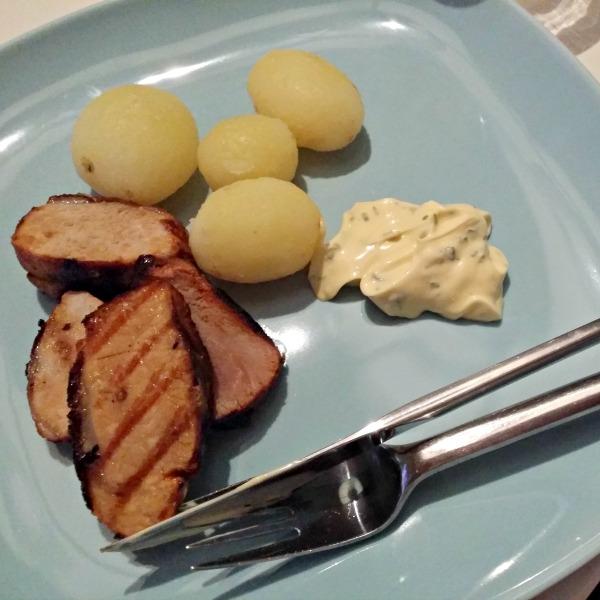 Grillspjut från dalsjöfors kött och svensk färskpotatis med en matsked rydbergs bearnaise