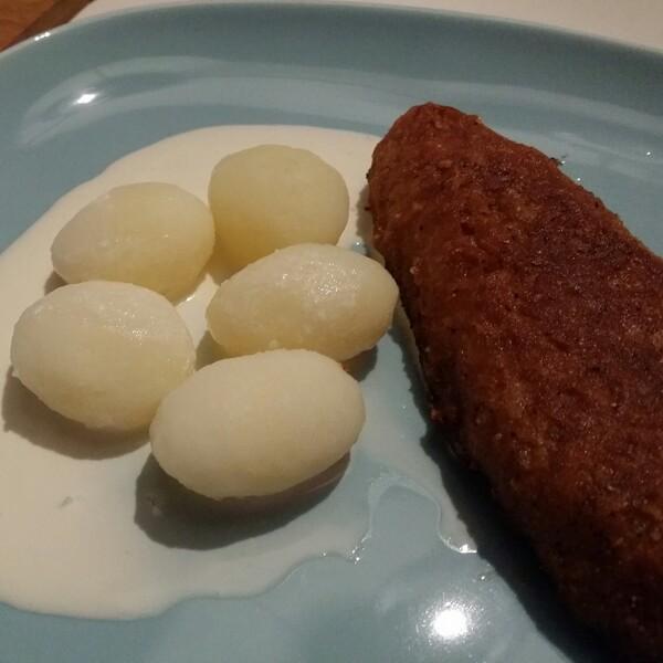 Findus XL fiskpinnar med kokt delikatess potatisar och en skvätt laktosfri grädde