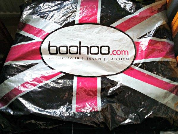 Beställning från Boohoo.com med viskos klänningar
