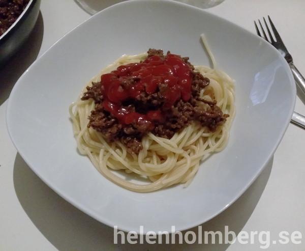 Söndags middag laktos och tomatfri köttfärssås med spagett