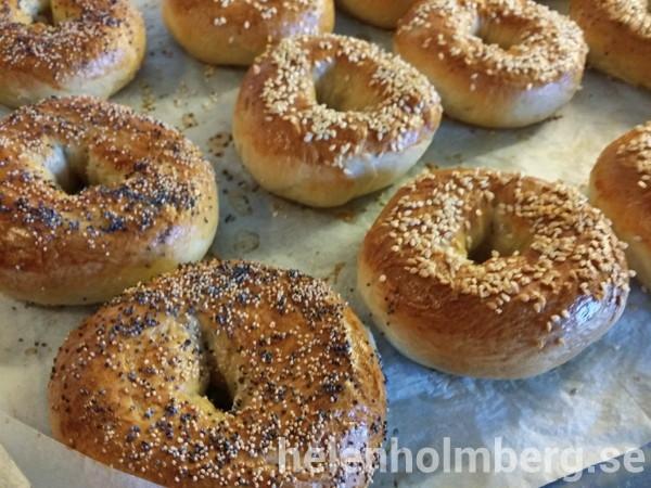 Mina bagels bakade efter Leilas bagel recept