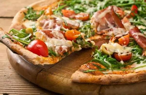 Gourmet pizza vinst från Mörarps gatukök & pizzeria