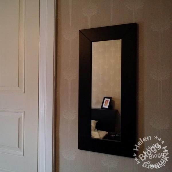 IKEA spegel i sovrummet