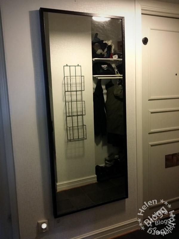 IKEA spegel i hallen