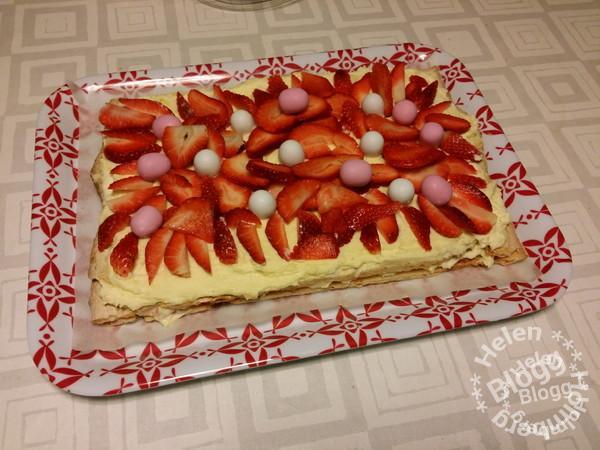 Långfredag med familjen #tårta #påsk #gladpåsk #helg #mums #gott #laktosfri