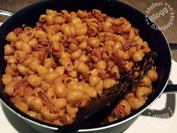 laktosfri korvstroganoff med god Zeta pasta