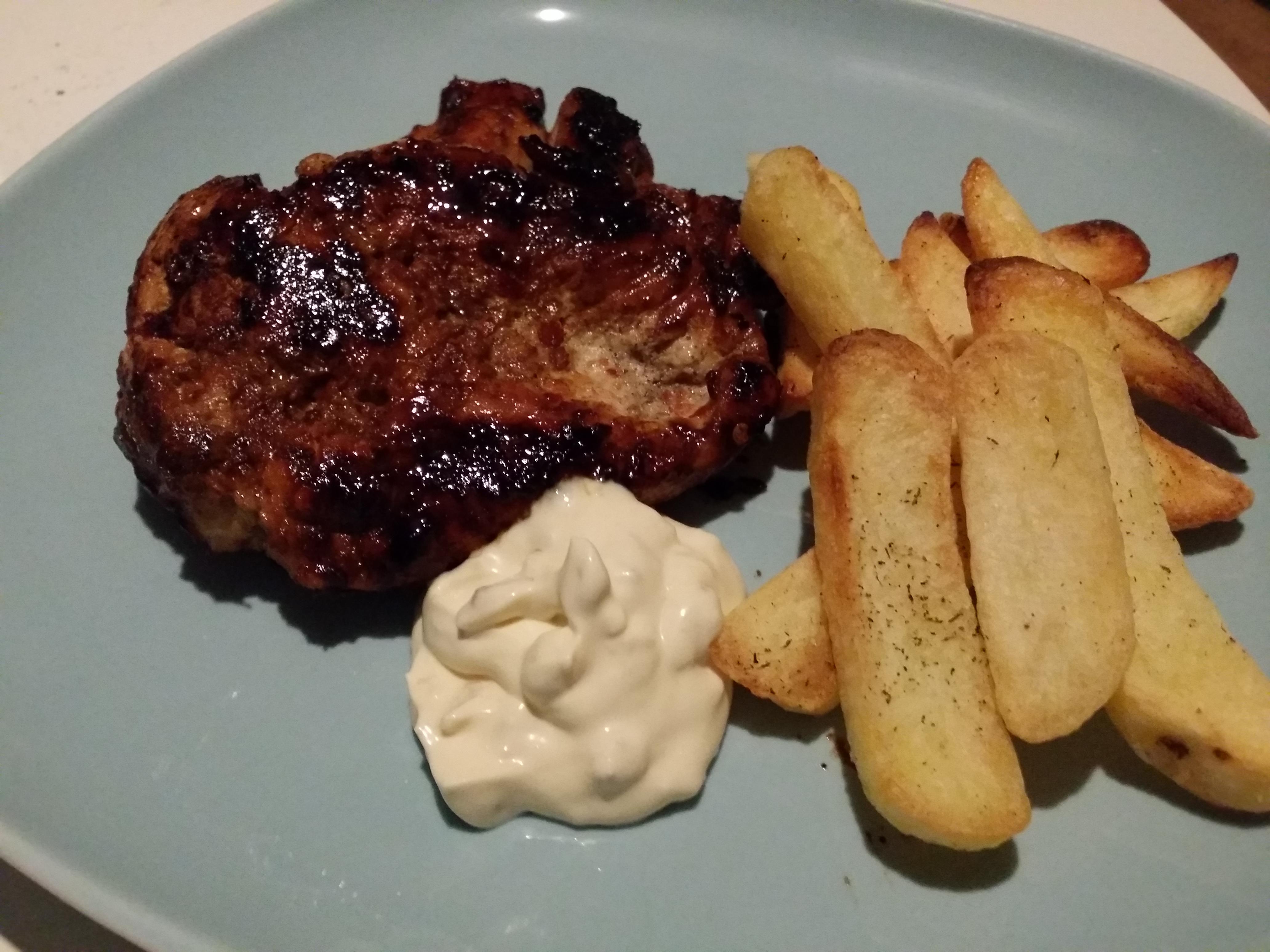 Nytt recept med honungsmarinerad kycklingfilé och vitlökssås