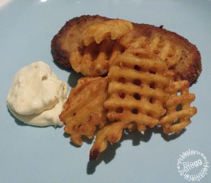 Panerade schnitzlar med potatis