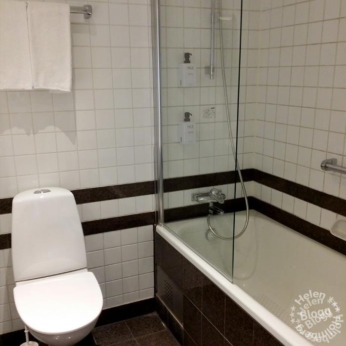 hotellrum med badkar