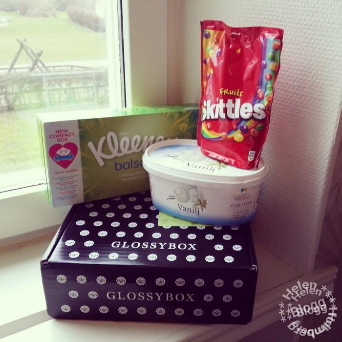 Glossybox Sverige Mars månad, skittles, kleenex näsdukar och laktosfriglass