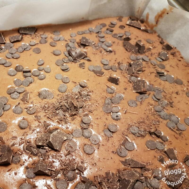 recept på min min nuttekaka (kladdig chokladkaka med glasyr)