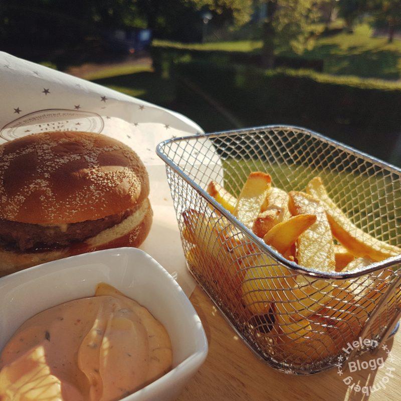 Firat hamburgarensdag med friscobröd och angusburgare samt streak fries