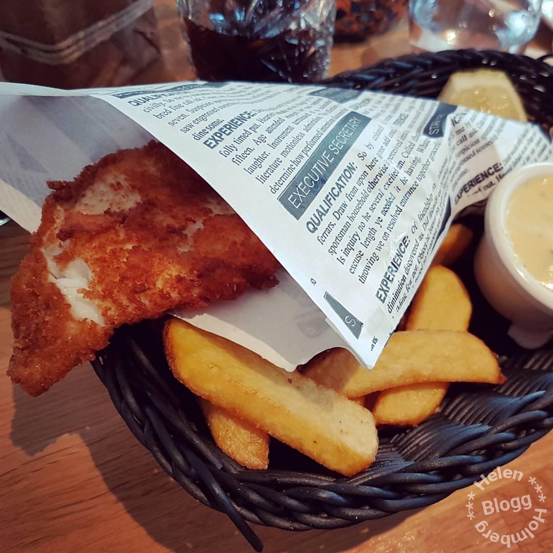 Grymt god Fish'n chips på restaurang Höganäs Hamnkrog