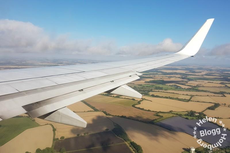 uppe i lyften på Ryan Air på väg till London