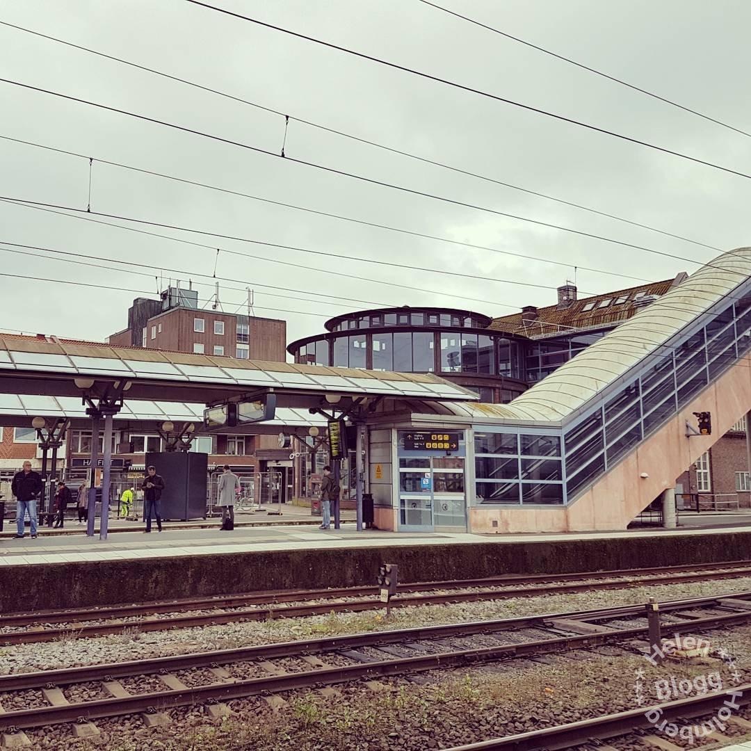 Hässleholm tågstation en onsdag förmiddag i oktober