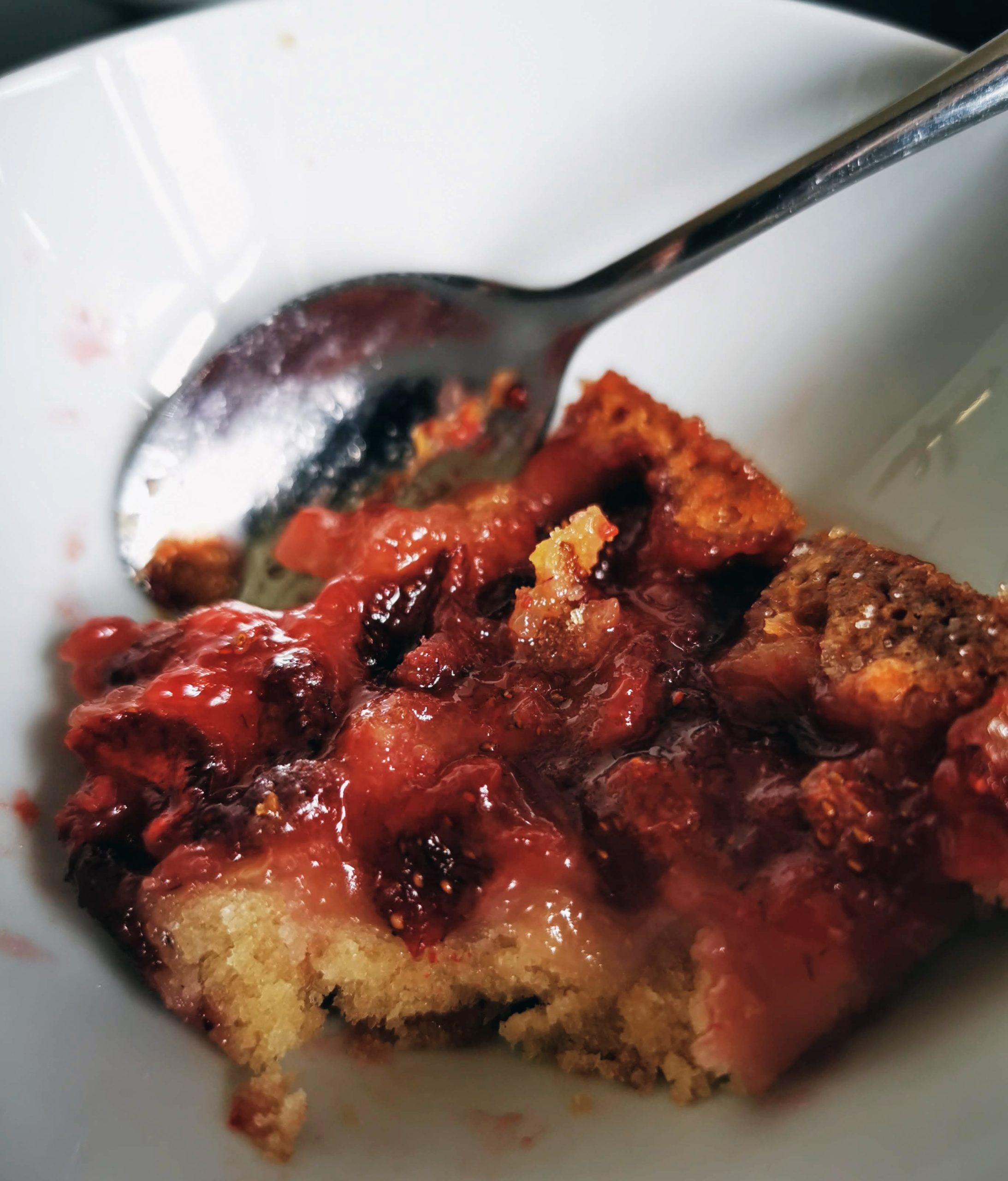 Helen J Holmberg - provlagar amerikanskt recept från Pioneer Woman på smulpaj med jordgubbar självklart laktosfri